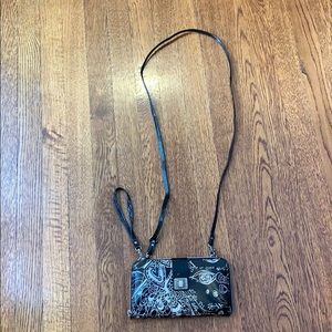 Wristlet wallet with crossbody straps